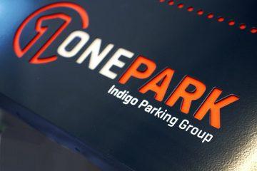valomainoslaatikot profiili L1 - Onepark sisselõigatud logoga valguskast 2