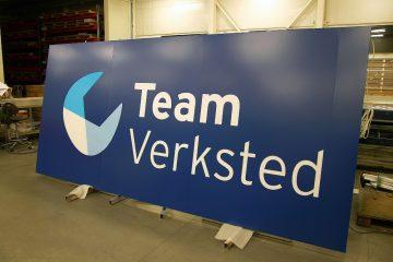 valomainoslaatikot profiili L1 - Team Verksted sisselõigatud logoga valguskast 3