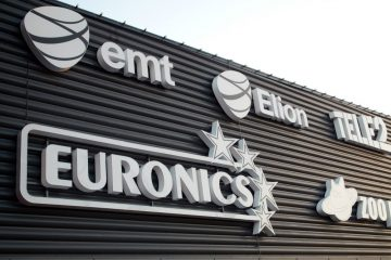 Valomainoskirjaimet profiili 6 - Lasnamäe Centrumi fassaadil olevad ettevalgustuvad logod jatähed 5