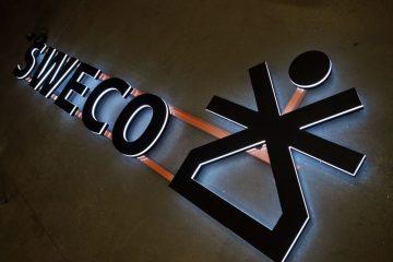 Valomainoskirjaimet profiili 9 - Sweco valgustähed , valgus suunatud külgedele ja taha 5