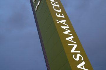 Valomainospylväät - Lasnamäe Centrumi reklaamtorn 15